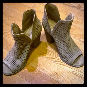 LUCKY BRAND OPEN TOED BOOTIE